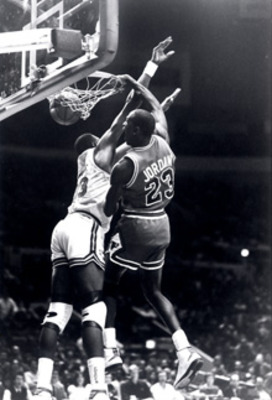 Michael_jordan_patrick_ewing_display_image