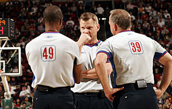 20070502_nba_refs_71025152_18_display_image