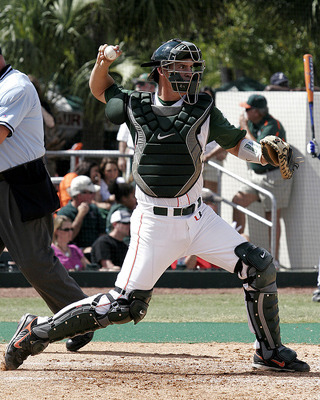 10_yasmani_grandal_oakland_display_image