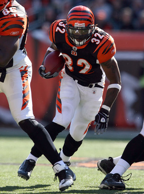 Cedric-benson-seen-here-laying-waste-to-those-who-are-the-opposition_display_image