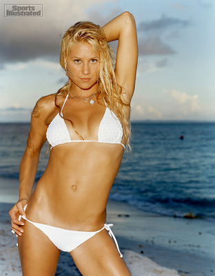 Anna-kournikova-in-white-bikini_display_image
