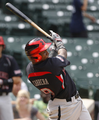 Yordy-cabrera-swings-hard_display_image