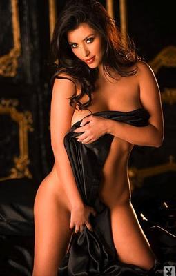 Kim-kardashian-playboy-photo_391x614_display_image