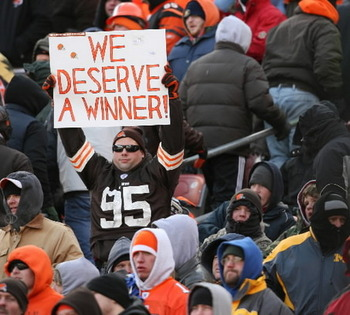 Large_fan-in-browns-stadium_display_image
