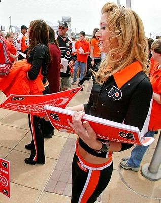 Flyers-ice-girls2_display_image