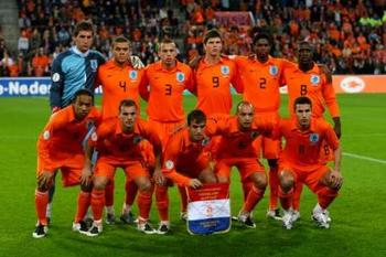 Dutch_soccer_team_display_image