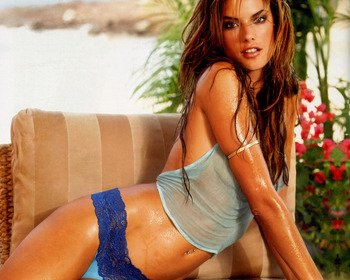 Alessandra_ambrosio_6_display_image