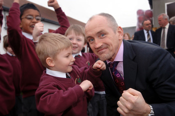 Barry20mcguigan20opens20new20school_display_image