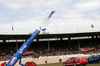 Human_cannonball03_-_melbourne_show_2005_display_image