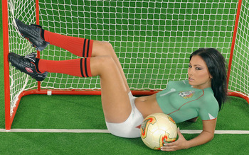 Would_cup_body_painting_worldcupbaby_1019_display_image