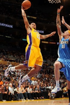 Shannon_brown_dunk_display_image