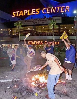 Lakers-riots_display_image