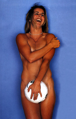 58886-brandi_chastain_soccer_display_image