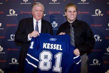 48767_maple_leafs_kessel_hockey_display_image