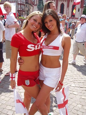 Sexyenglandsoccerfans_display_image