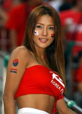 Hot-world-cup-soccer-fans-15_display_image