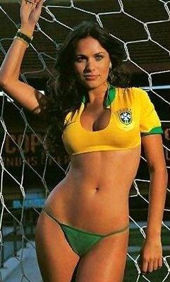 Femalesoccerfansa_display_image