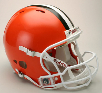 Cleveland-browns-authentic-pro-line-revolution-full-size-helmet-3350131_display_image