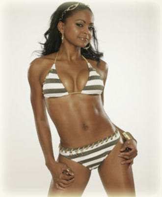 Hpg0607_swimsuitshoot_royce5-nba_display_image