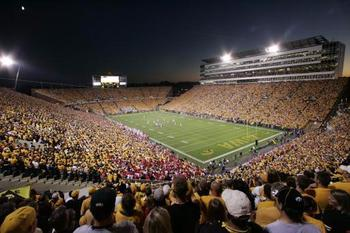 Kinnickstadium_display_image