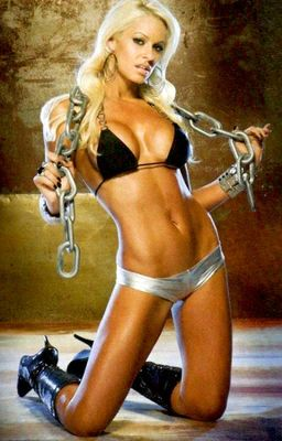 Maryse-michelle-mccool-eve-torres-muscle-fitness-magazine-11_display_image