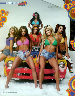 29_wwe_divas_2007-girls_on_the_hood_display_image