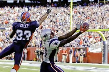 Randy-moss-vs-buffalo-bills_display_image