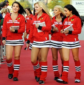 Chicago_blackhawks_ice_crew-029_display_image