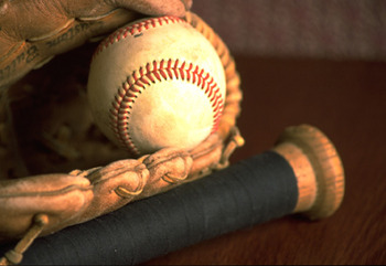 Baseballglovebat_display_image