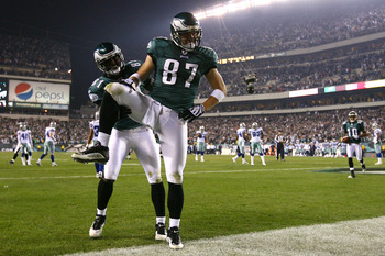 PHILADELPHIA - NOVEMBER 08:  Brent Celek #87 and Jason Avant #81 of the Philadelphia Eagles celebrate after Celek scored on a 11-yard touchdown reception in the third quarter against the Dallas Cowboys at Lincoln Financial Field on November 8, 2009 in Phi