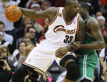 CLEVELAND - MAY 11: Shaquille O'Neal #33 of the Cleveland Cavaliers tries to get around the defense of Kendrick Perkins #43 of the  Boston Celtics in Game Five of the Eastern Conference Semifinals during the 2010 NBA Playoffs at Quicken Loans Arena on May