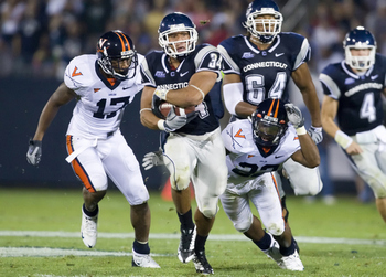 Connecticutfootballvsvirginia_display_image