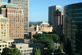 800px-downtownhartford_display_image