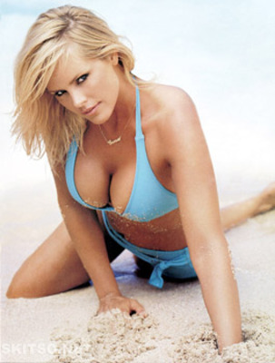 Gena_lee_nolin0002_display_image
