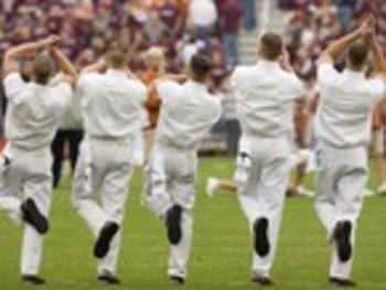 Texas-am-university-traditions-yell-leaders-five-yell-leaders-tam-t-yl-00034sm_display_image