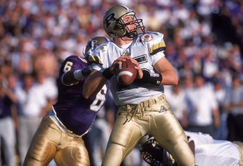 1 Jan 2001:  Drew Brees #15 of the Purdue Boilermakers passes the ball during the Rose Bowl Game against the Washington Huskies at the Rose Bowl in Pasadena, California. The Huskies defeated the Boilermakers 34-24.Mandatory Credit: Stephen Dunn  /Allsport