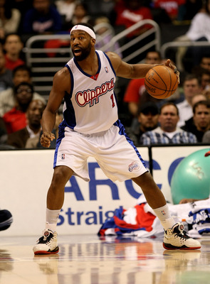 LOS ANGELES - JANUARY 18:  Baron Davis #1 of the Los Angeles Clippers controls the ball against the New Jersey Nets on January 18, 2010 at Staples Center in Los Angeles, California. The Clippers won 106-95.  NOTE TO USER: User expressly acknowledges and a