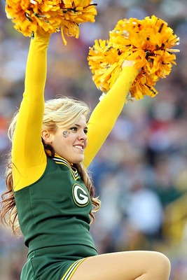 Packers-cheerleader01_display_image