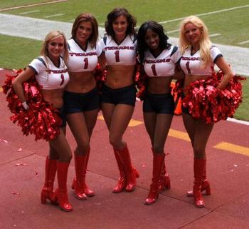 4439990-texans_cheerleaders-houston_display_image