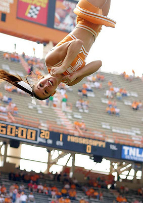 Tennesseecheerleader_display_image
