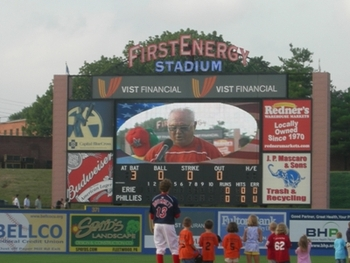 Bernie_of_scoreboard_display_image