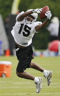 Raiders_camp_football_sff_65251_team_display_image
