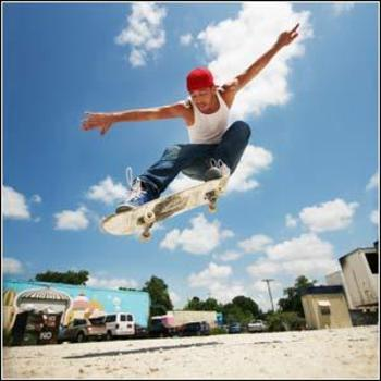 Skateboarder_display_image