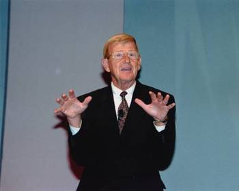Lou_holtz_display_image