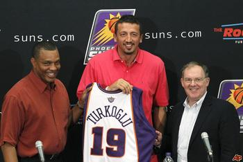 Hedo-turkoglu-alvin-gentry-lon-babby-2010-7-21-16-33-2_display_image