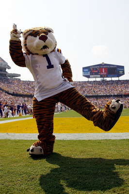 BATON ROUGE, LA - AUGUST 30:  Mascot Mike the Tiger of the Louisiana State University Tigers celebrates on the field against the Appalachian State Mountaineers on August 30, 2008 at Tiger Stadium in Baton Rouge, Louisiana.  (Photo by Chris Graythen/Getty