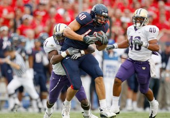 TUSCON - OCTOBER 4:  Rob Gronkowski #48 of the Arizona Wildcats carries the ball during the game against the Washington Huskies on October 4, 2008 at Arizona Stadium in Tucson, Arizona. (Photo by: Gregory Shamus/Getty Images)