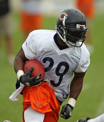 BOURBONNAIS, IL - JULY 30: Chester Taylor #29 of the Chicago Bears works out during a summer training camp practice at Olivet Nazarene University on July 30, 2010 in Bourbonnais, Illinois. (Photo by Jonathan Daniel/Getty Images)