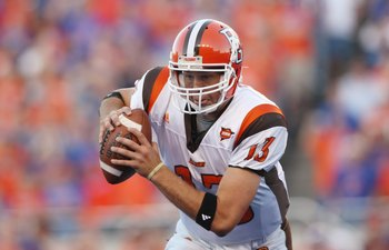 BOISE , ID - SEPTEMBER 13:  Quarterback Tyler Sheehan #13 of the Bowling Green Falcons moves with the ball against the Boise State Broncos at Bronco Stadium on September 13, 2008 in Boise, Idaho.  (Photo by Jonathan Ferrey/Getty Images)