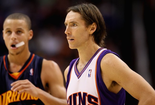 PHOENIX - OCTOBER 30:  Steve Nash #13 of the Phoenix Suns during the NBA game against the Golden State Warriors at US Airways Center on October 30, 2009 in Phoenix, Arizona.  The Suns defeated the Warriors 123-101.   NOTE TO USER: User expressly acknowled